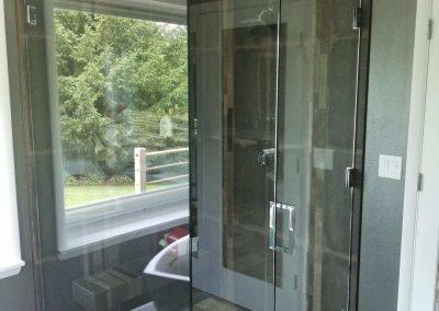 Heavy glass door with return & side panel