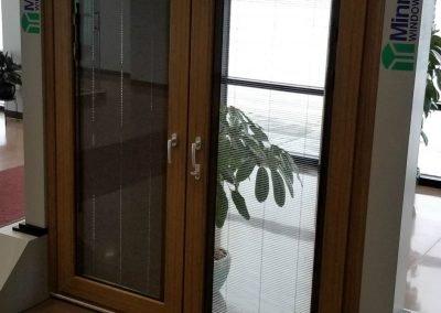 Patio door with interior blinds-1280