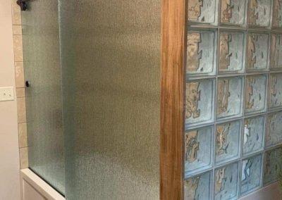 Frameless Slider with Rain Glass